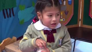 Niña  de 3 años se luce exponiendo su proyecto de ciencia, UGEL SAN ROMAN