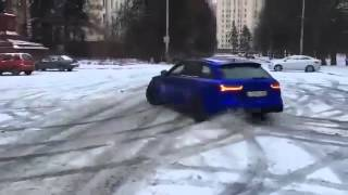 Audi rs6 snow drift