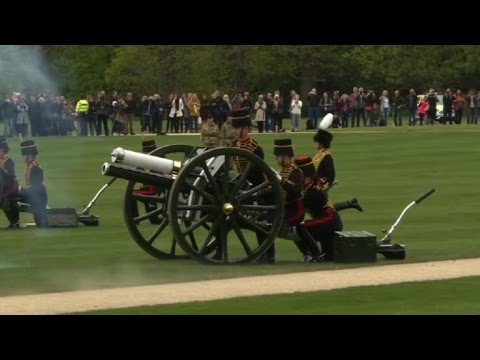 Gun salute for Queen Elizabeth II's 91th birthday
