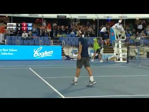 Mikhail Youzhny's incredible tweener - World Tennis Challeng