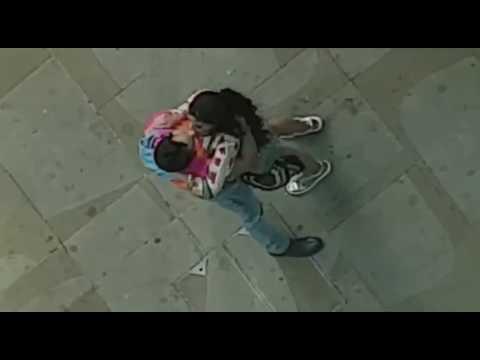 Jacqueline Fernandez hot kissing scene in judwaa 2 thumbnail