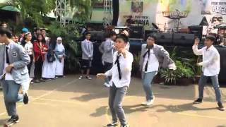 EXOXO (Dance Cover EXO) - Wolf, Growl & Overdose (at Pensi SMPN 30 Jakarta)