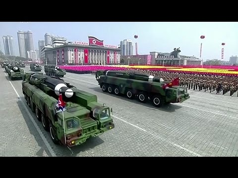 North Korea Military Parade 2017: Day of the Sun - Parada Militar na Coreia do Norte 2017