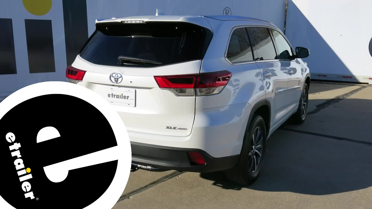 Tow Hitch Installation >> Trailer Hitch Installation 2018 Toyota Highlander Curt Etrailer Com