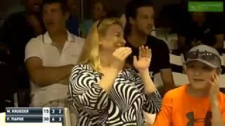 Tenis Maçı Sırasında Duyulan Sevişme Sesleri Karşılaşmaya Damga Vurdu!