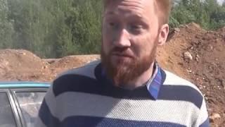 Мужчина спистолетом угнал автомобиль впоселке Тоншалово, азатем устроил погоню