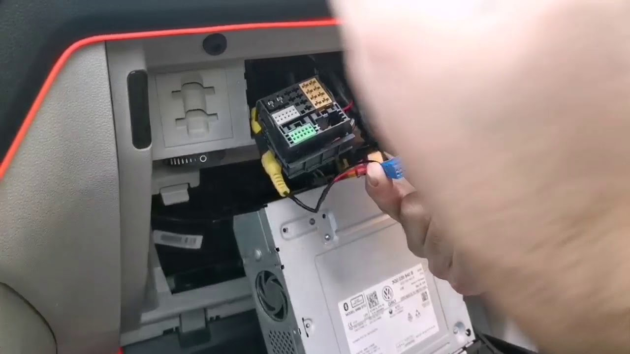 Volkswagen geri görüş kamera montajı