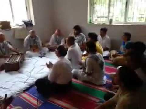 shyama pyari kunj bihari