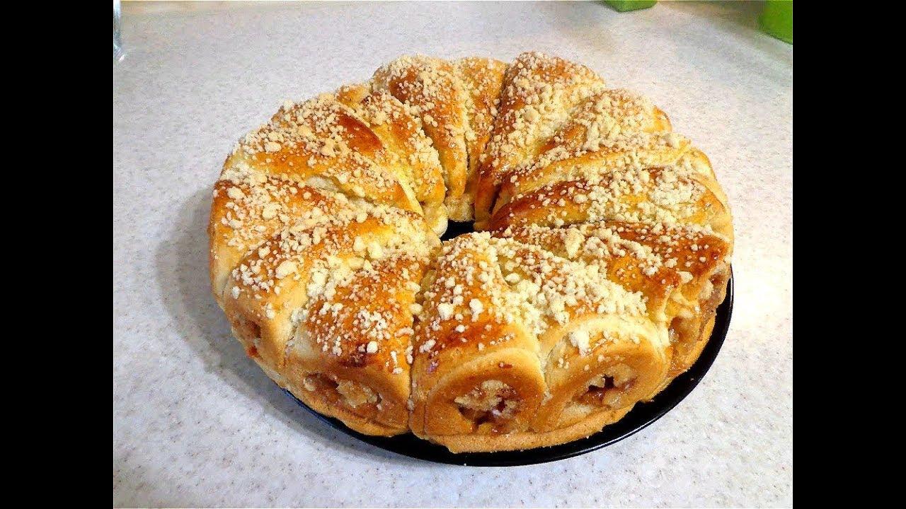 вкусный сдобный пирог с яблоками