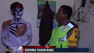 Download Video [Mabuk] Bergaya Pocong dan Zombie saat Berkendara, 3 Remaja Diciduk Polisi - BIM 02/01 MP3 3GP MP4