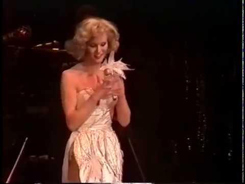 Mary & Gordy  Lieber Schweissperlen als gar keinen Schmuck!