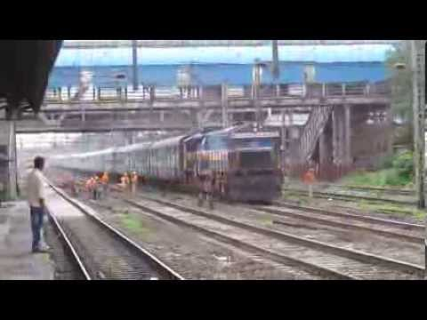 Unbelievable High Speed Coimbatore - LTT Express Blasting at Kopar with Lovely Track Sound !!