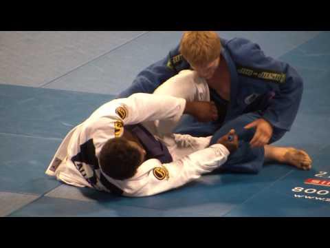 BJJ Worlds 2010 - purple belt absolute final (male)