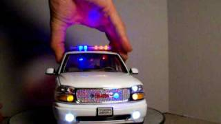 1/18 RCMP Yukon SUV Royal Canadian Mounted Police GMC Yukon Custom Police Model Car W/ Lights K-9