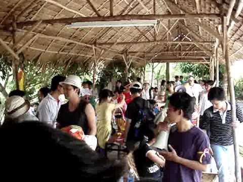2010-04-MyKhanh-Boat race_1