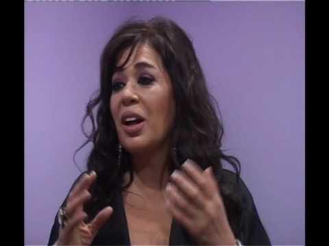 Konuk Sanatçı Zerrin Özer in TV Röportajı