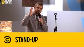 Victor Sarro PERDEU a chave do hotel no JAPÃO | Stand Up no Comedy Central