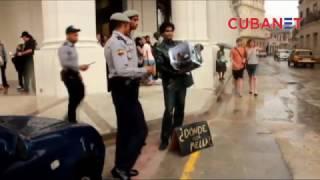 ¿Dónde está Mella? Policía impide performance de joven cubano en la Manzana de Gómez