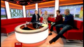 LOUISE MINCHIN ( Mon. 24 Sept. 2012 ) BBC BREAKFAST  - Gold Chain & Purfeckt legs
