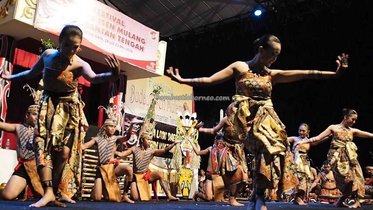 Lomba Tari Pendalaman Isen Mulang Palangkaraya Indonesia Borneo Cultural Dance