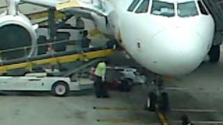 The world's worst baggage handler? - worryingly funny