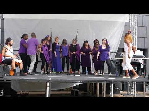 Look Right Through ~ London House Cats Choir (Bernie Grant Arts Centre: Summer Festival)