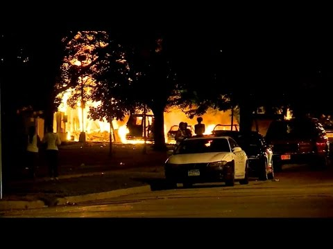 Milwaukee Riots After Police Shooting of Armed Black Man