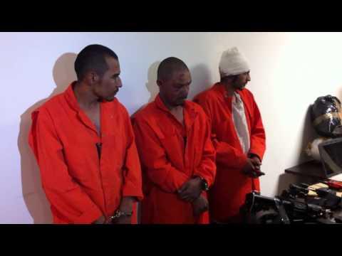 fge-presenta-a-tres-detenidos-tras-enfrentamiento-en-lázaro-cárdenas