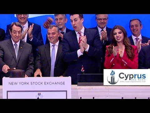 President Nicos Anastasiades ring the bell at the NY Stock Exchange and breaks the hammer.