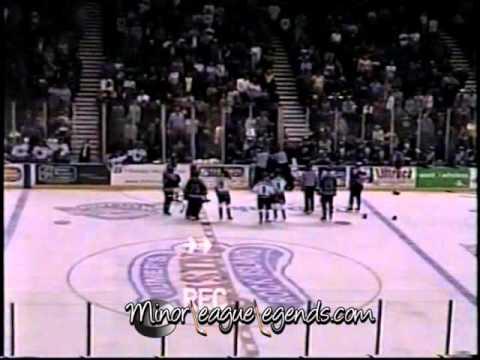 Nov 27, 2003 David Ambler vs Kerry Toporowski Muskegon Fury vs Quad City Mallards UHL