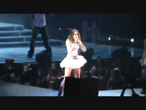 miley cyrus wonder world tour ~HOEDOWN THROWDOWN~ glendale AZ
