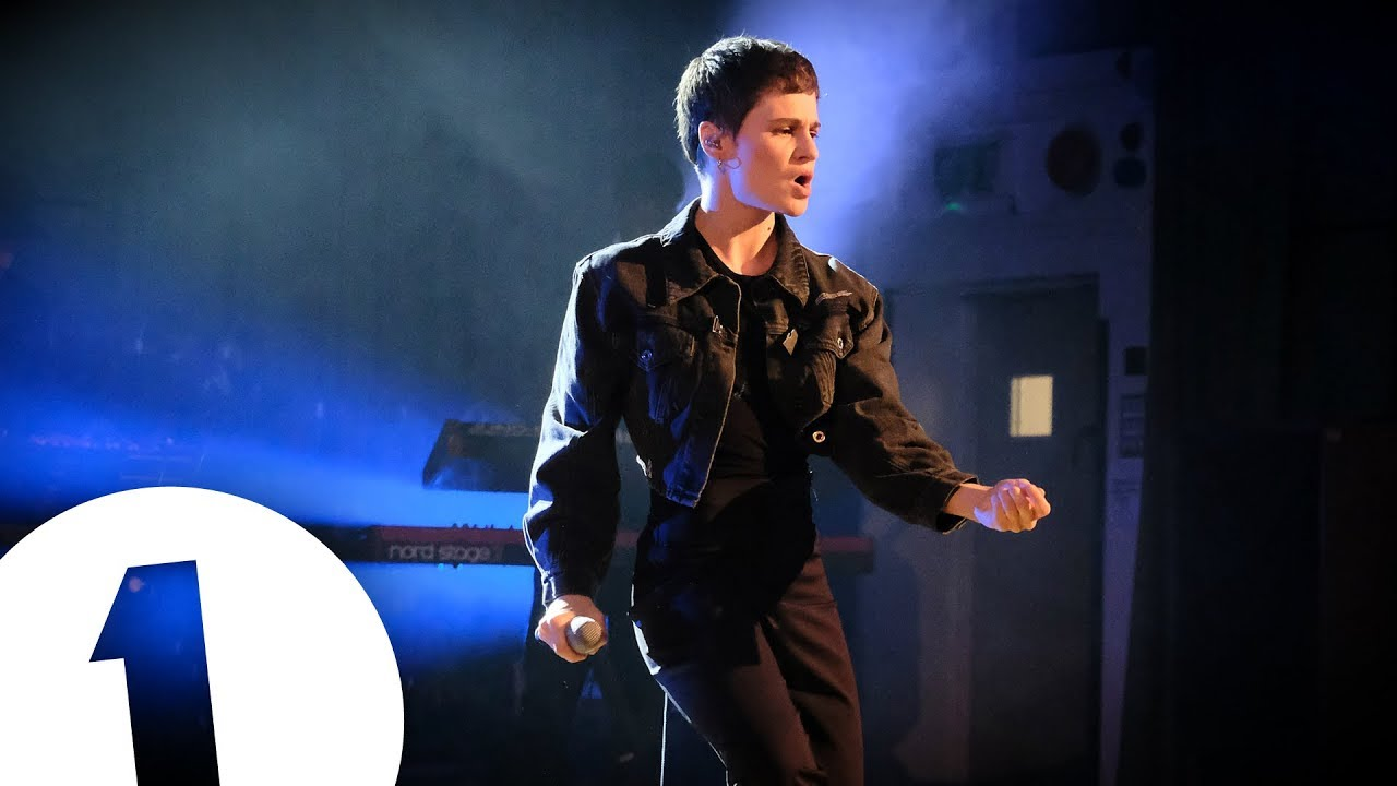 Christine and the Queens - Kiss It Better (Rihanna cover) in the Live Lounge