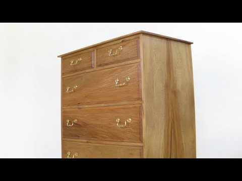 A pair of drawer chests