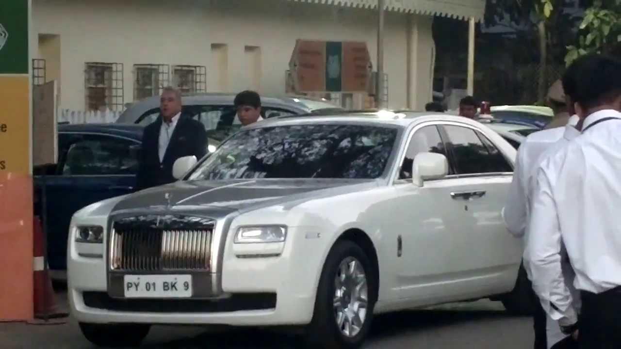 Vijay Mallya Getting Into His Rolls   YouTube Part 83