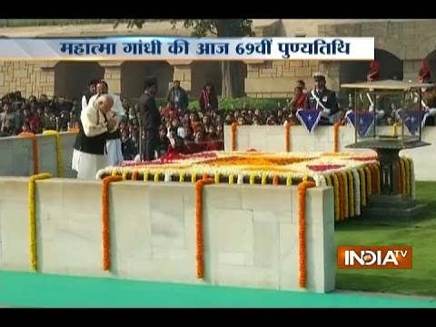 PM Modi Pays Tribute to Mahatma Gandhi on his Death Anniversary