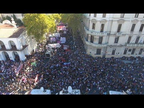 Imágenes de la marcha del 8M desde el dron de Télam