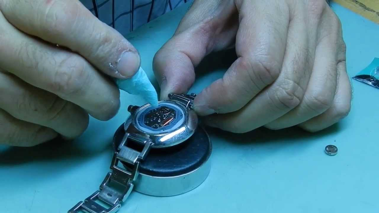 how to change battery in a florelli watch