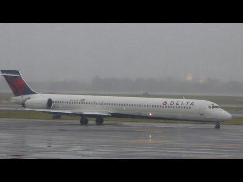 Delta MD-90 Washington DC (DCA) - Minneapolis (MSP) Flight Experience
