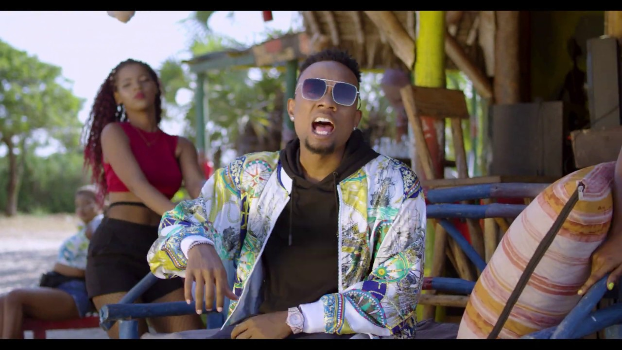 Download YJ Feat Bilnass & Mr T Touch - ACHIA (Official Video)