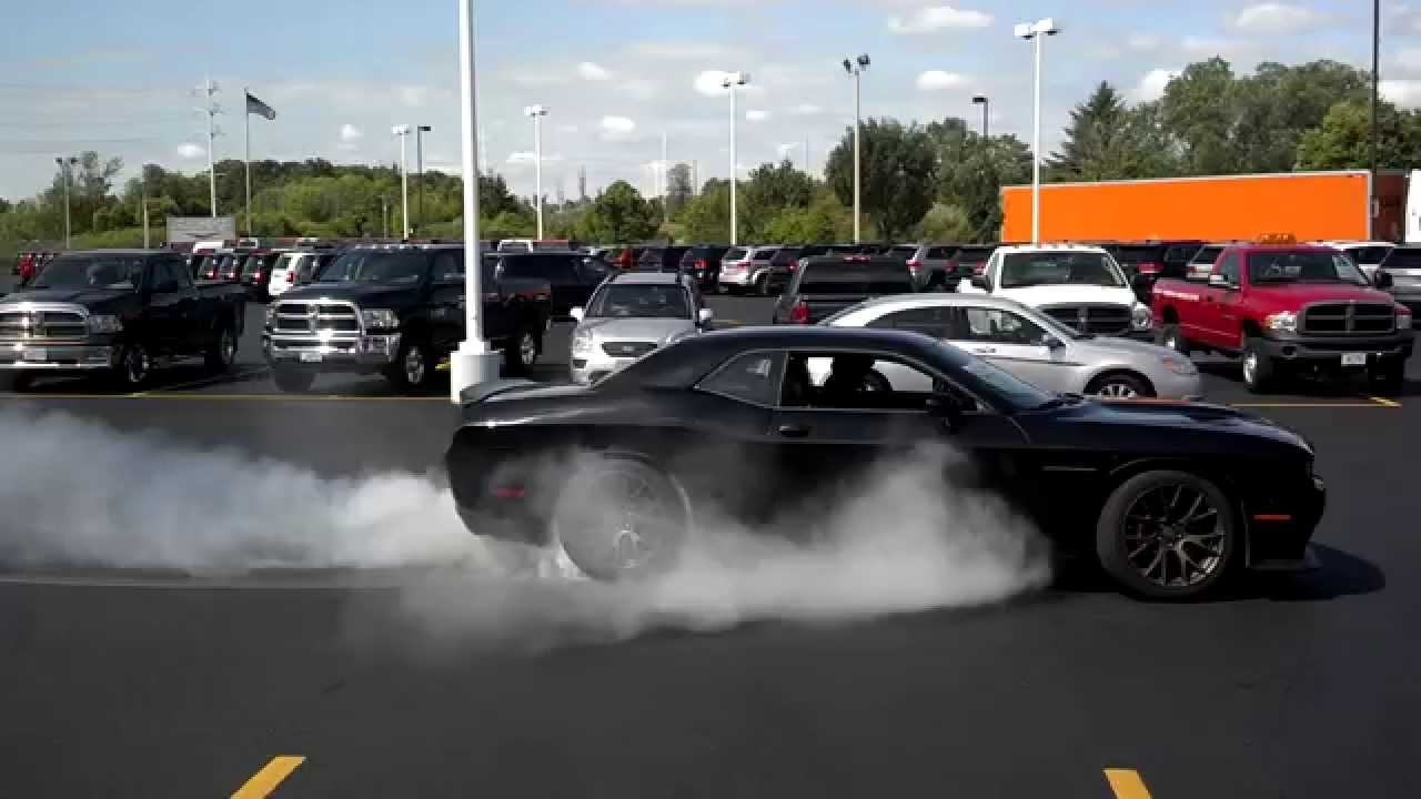2015 Dodge Challenger Srt Hellcat Viper Gts Burnout Youtube
