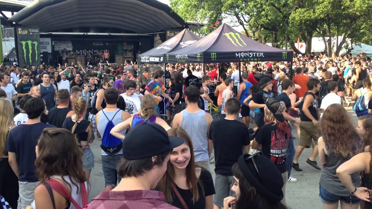 The Word Alive Circle Pit (Vans Warped Tour 2014 ...