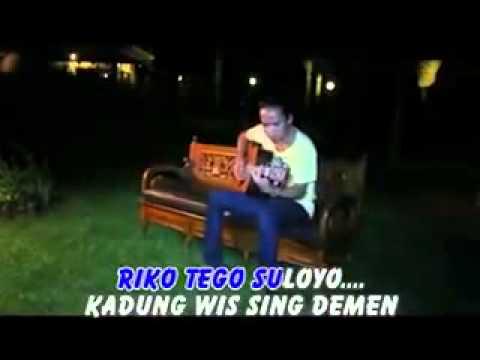 Nggantung welas demy banyuwangi songs