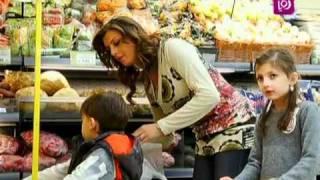 تشجيع الاطفال علي تناول الخضار و الفواكه Roya l