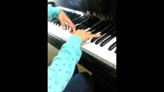 リトミック歴4年ピアノ歴6ヵ月の生徒さん。フレーズを感じる歌う右手...