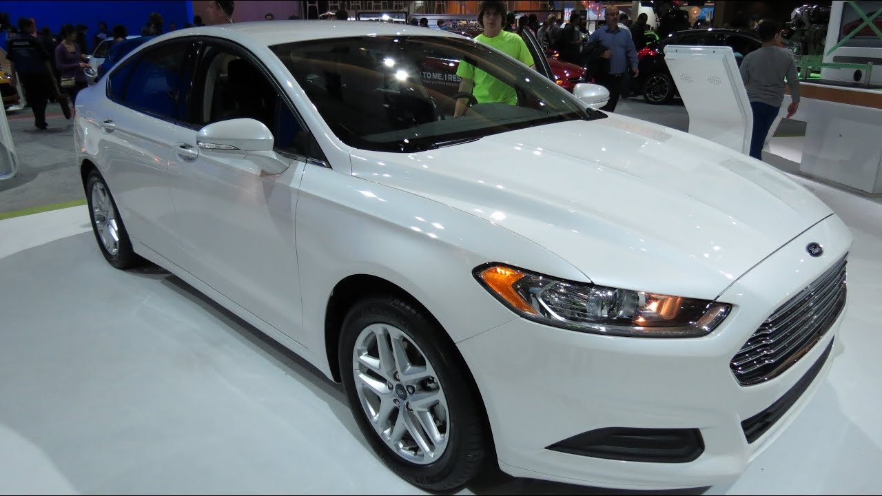 2013 Ford Fusion SE White At The 2013 Canadian Int Auto Show Toronto