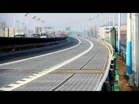 La Chine met en service sa première autoroute solaire