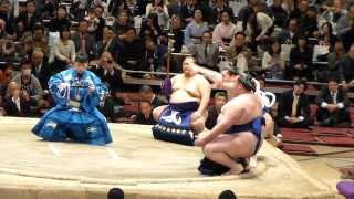 2014年2月1日(土)、雅山引退二子山襲名披露大相撲に行ってきました! 初...