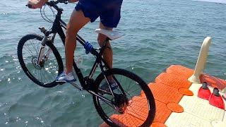 İskeleden Bisikletle Uçuş