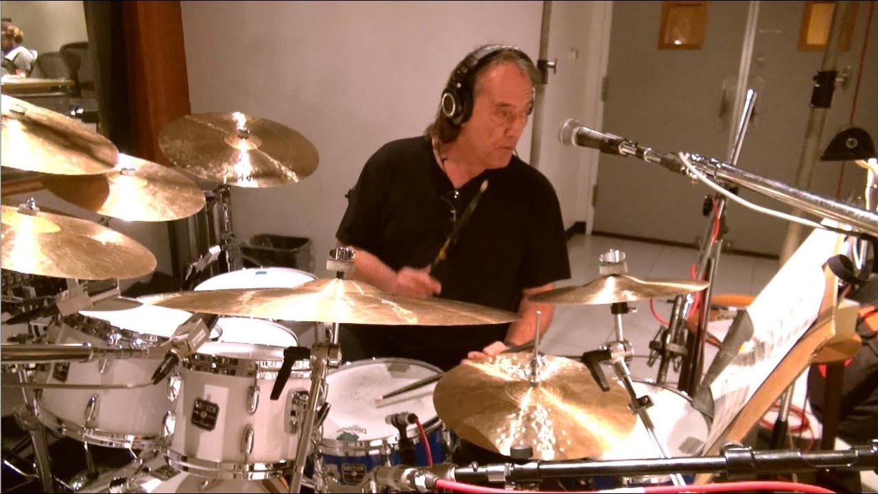 Download Brian Eisenberg Jazz Orchestra - Gift With Purchase (feat. Vinnie Colaiuta)