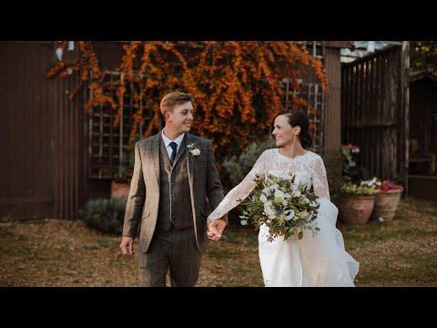 hayley + joes intimate wedding
